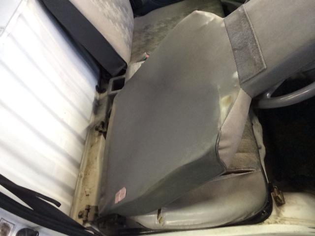 ミニキャブ U42T 運転席シート交換