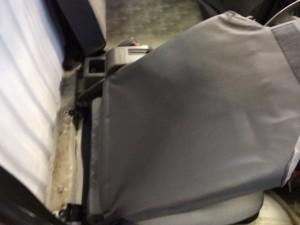minicab-u42t-seat-koukan11