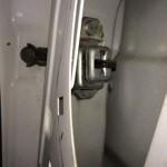 スバル サンバー ドアが閉じてしまう ドアストッパー交換 TT2