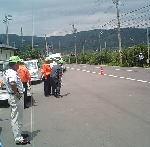 整備士と警察と街頭指導