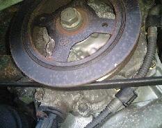 液体ガスケットによるシーリング部分からのオイル漏れ