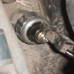油圧警告灯が点灯する原因と対策方法