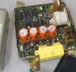 エアバックを外す時、バッテリー端子を外して数分放置する理由
