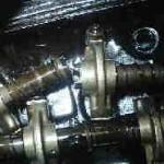 折れたロッカーアームシャフト エンジンがかからない驚きの理由