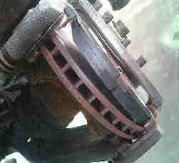 ノート NE11 ブレーキパッド交換