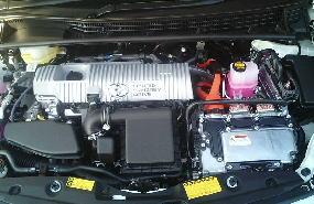 ハイブリッドカーこそこまめなオイル交換を!過酷な状況のエコカーのエンジン状況の話
