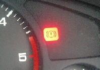 テラノ ブレーキを踏むとブレーキ警告灯が点灯する