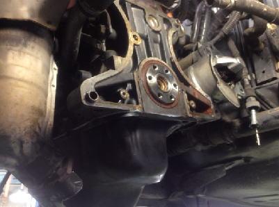 プレオ オイル漏れ修理 CVT脱着 リヤクランクオイルシール交換 クランクベアリングキャップシール交換