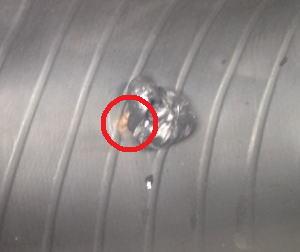 タイヤ修理材を使ったタイヤの裏側