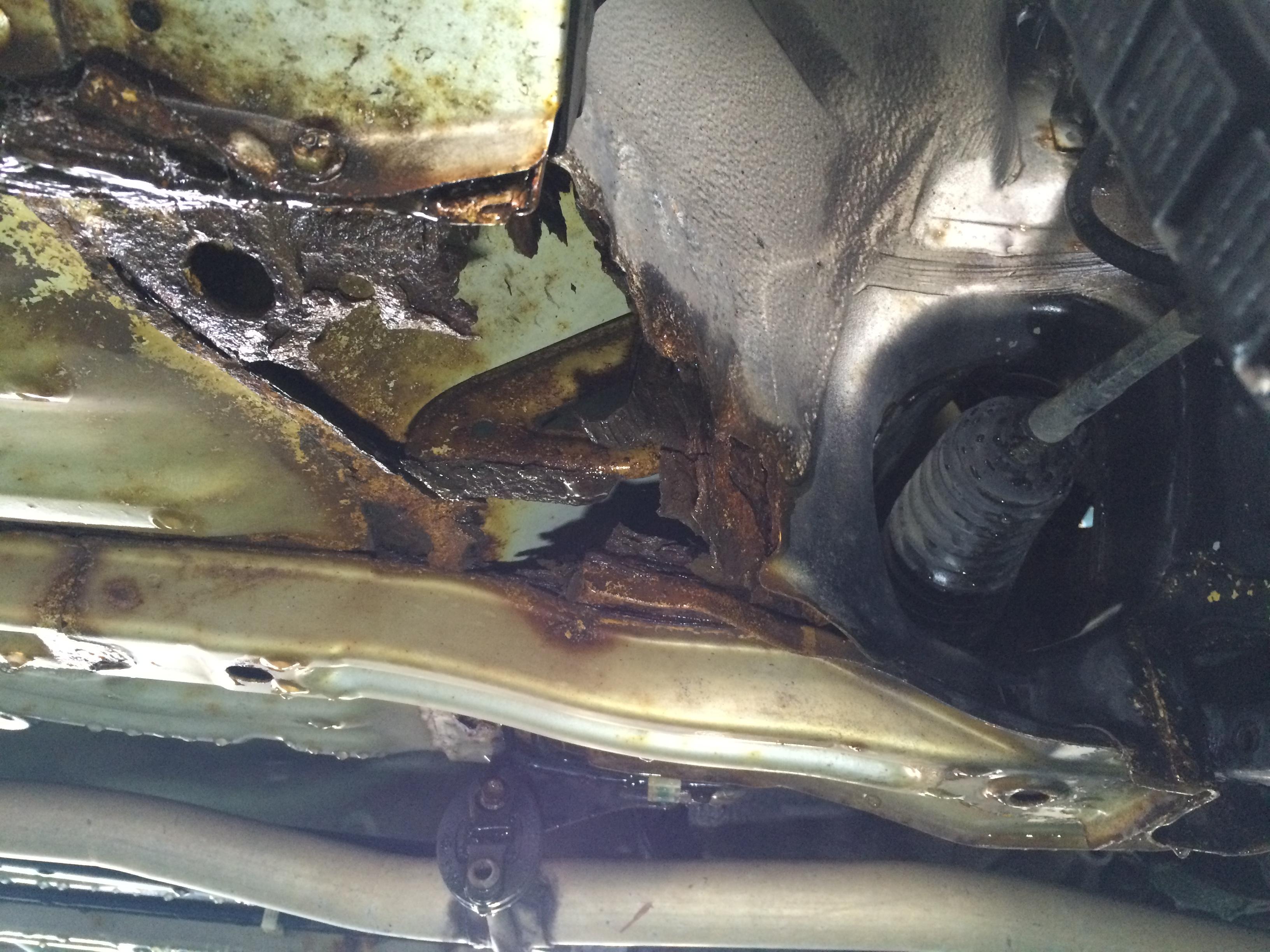 塩カルによるボディの腐食は車に深刻なダメージを与える。そろそろ融雪剤を見直してもいいのでは?