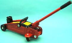 ガレージジャッキ タイヤ交換に使えるジャッキ