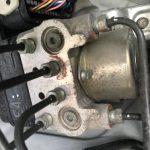ハイドロリックユニットとは? ABSの油圧を増減するアクチュエーター