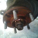 タイヤ交換の時期、クリップボルトの破損に要注意です
