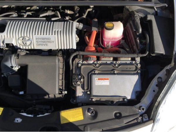 プリウス エンジン かからない プリウスのエンジンが急にかからなくなった理由と対処法は?