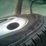 どの車でも タイヤの空気圧を常時モニターしてくれるアイテム