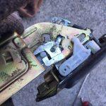 サンバーバン リヤハッチが閉まらない修理