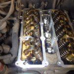始動時にガラガラ音がするエンジンの車は大丈夫?