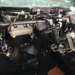 エアコン修理に大衆車であっても、これだけの手間がかかったり・・