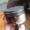 著しく品質の悪い安いオイルは、エンジンを壊しかねない!ピストンリングの膠着に注意